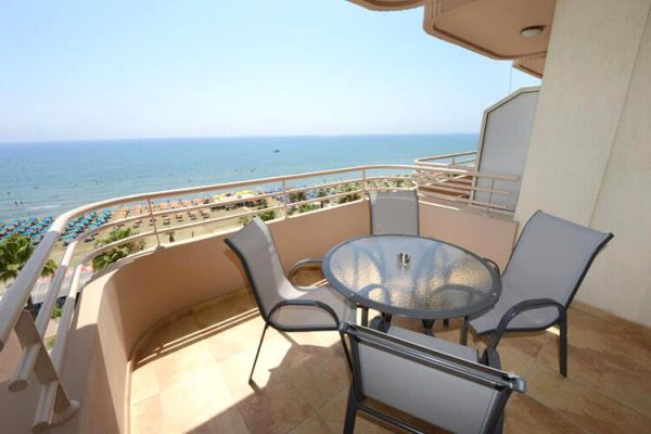 Les Palmiers Beach Luxury Apartments terrace view